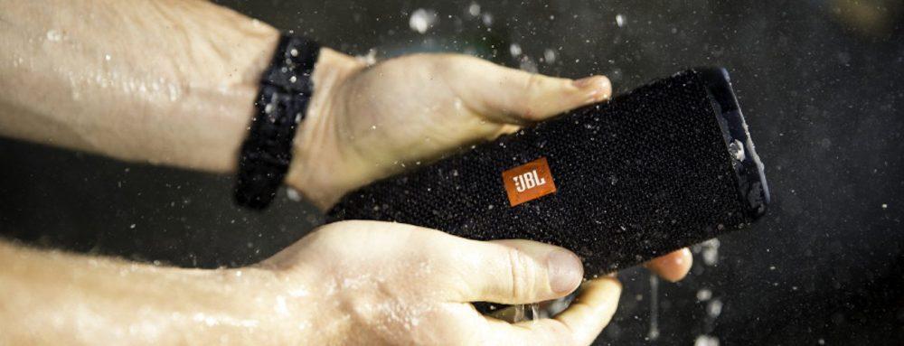 JBL-Flip-4-Waterproof-Speaker-3