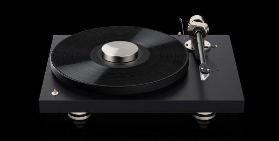 Debut-PRO-frontal-vinyl-puck_narrow