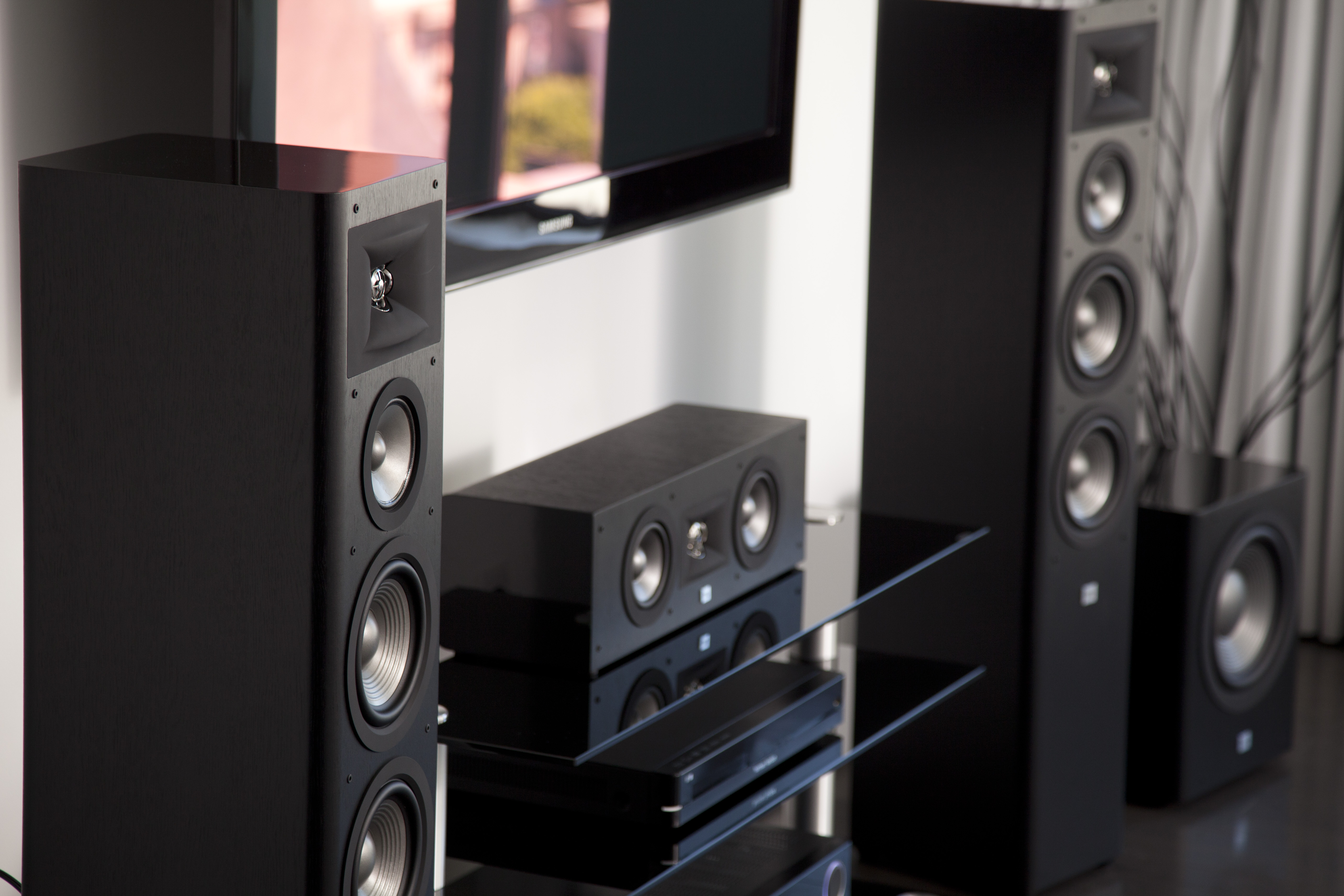 JBL Studio 280 Black HT System without Grilles Drama 2