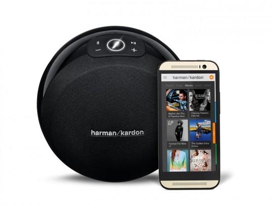 Harman Kardon Omni 10 Black (Front View w Phone)